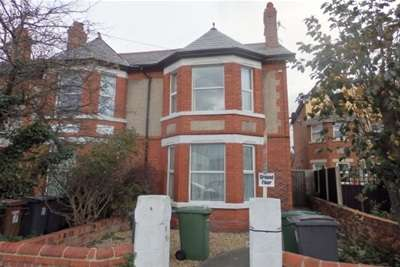 2 Bedrooms Flat for rent in Hilbre Road, West Kirby
