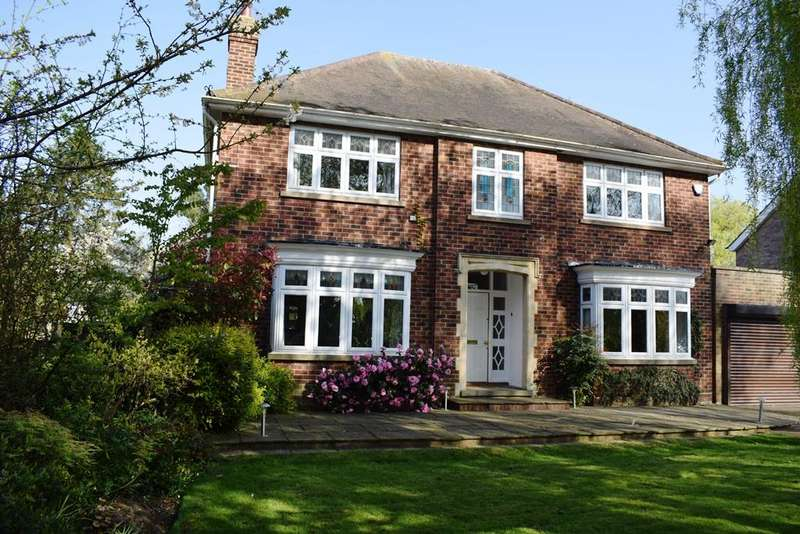 4 Bedrooms Detached House for sale in Humberston Avenue, Humberston DN36