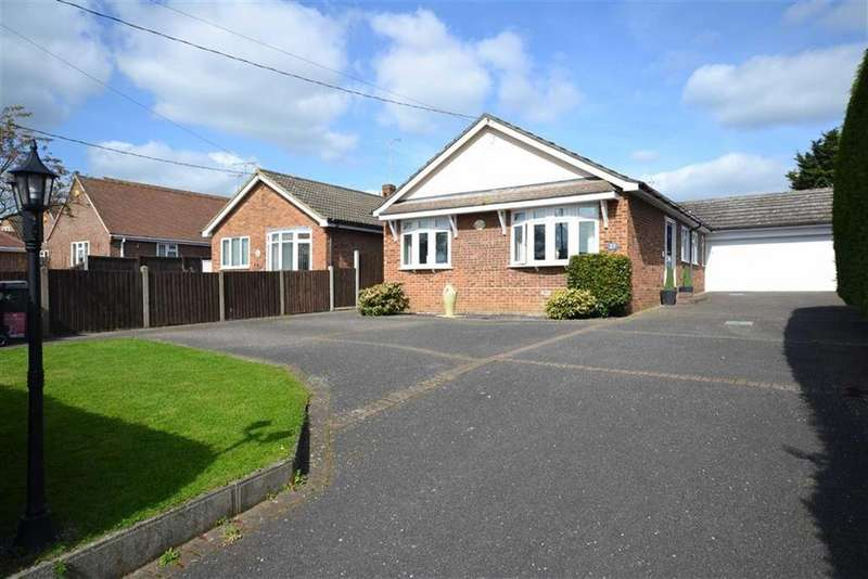 5 Bedrooms Bungalow for sale in King Edwards Road, South Woodham Ferrers, Essex