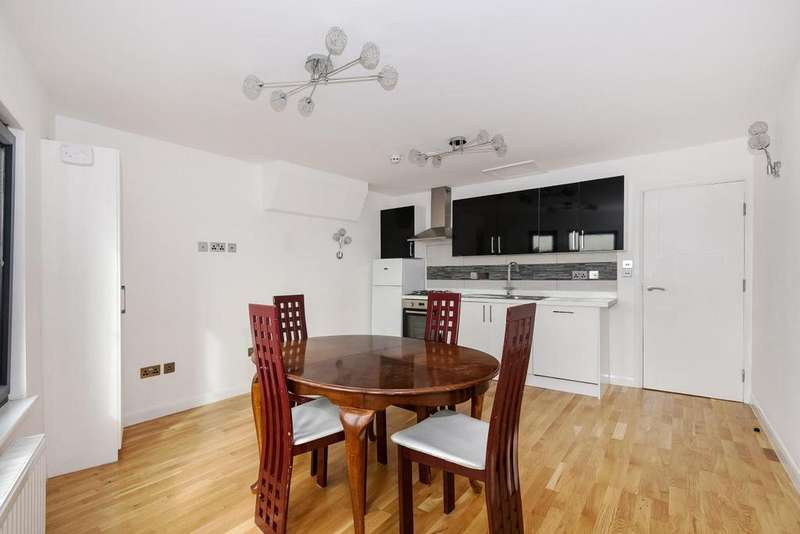 2 Bedrooms Flat for sale in Stanstead Road, Forest Hill, SE23