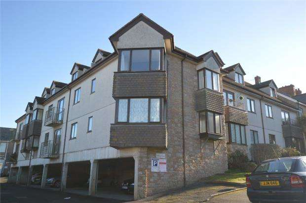 2 Bedrooms Flat for sale in Jenkins Court, Newquay, Cornwall