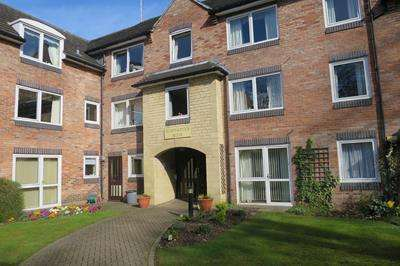 1 Bedroom Flat for sale in Home Paddock House , Deighton Road, WETHERBY, West Yorkshire, LS22 7TE