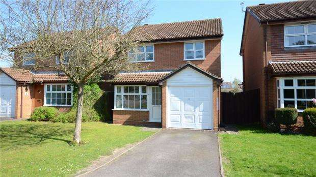 3 Bedrooms Detached House for sale in Lindsey Close, Wokingham, Berkshire