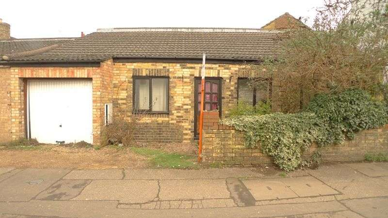 1 Bedroom Detached House for sale in Eastfield Road, Peterborough, Cambridgeshire. PE1 4AU