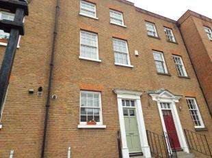 4 Bedrooms Terraced House for sale in St. Margarets Banks, High Street, Rochester