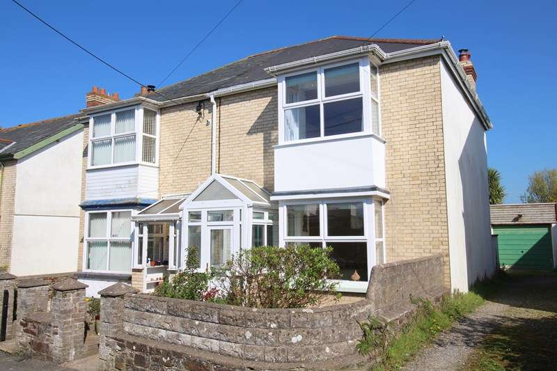 3 Bedrooms Semi Detached House for sale in Burrough Road, Bideford