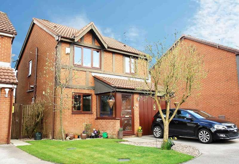 3 Bedrooms Detached House for sale in 24 Miller Meadow Close, Shaw