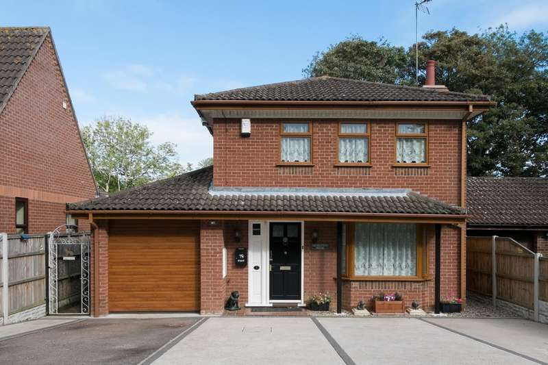 4 Bedrooms Detached House for sale in Symonds Ave, Ormesby St Margaret