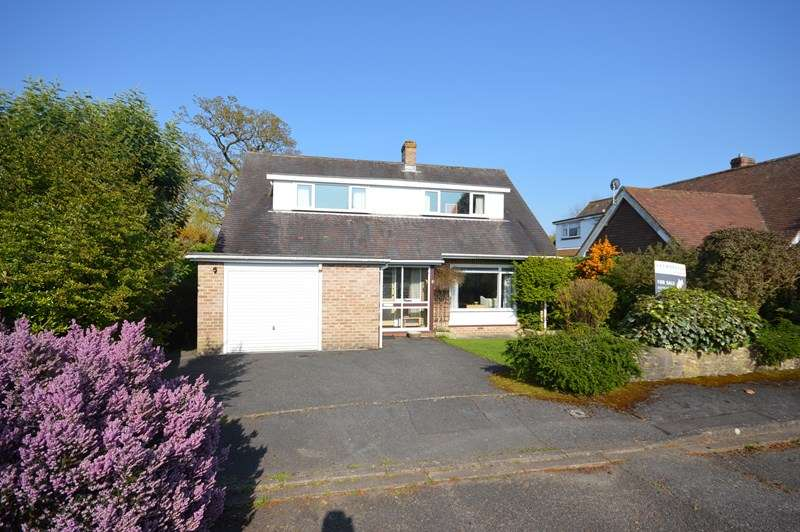 3 Bedrooms Detached Bungalow for sale in Newenham Road, Lymington