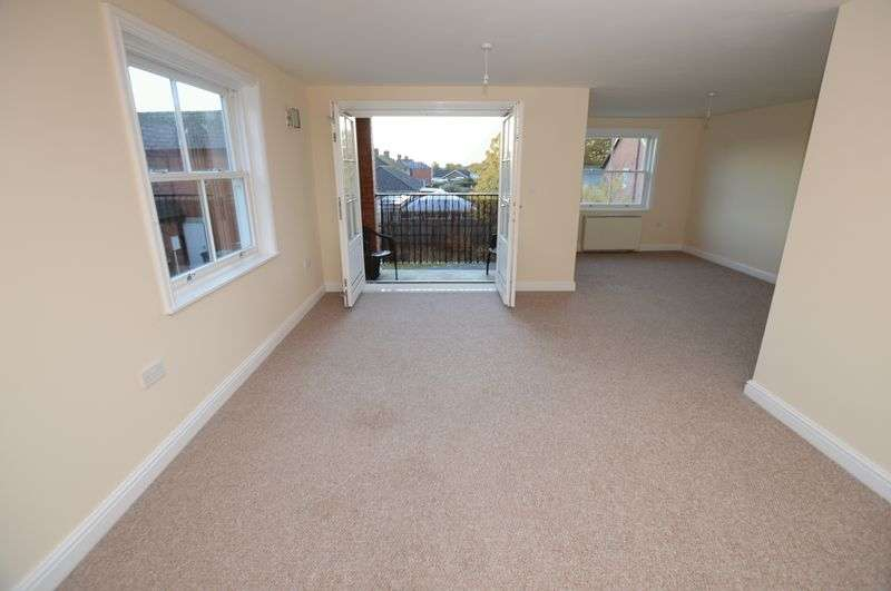 3 Bedrooms Flat for sale in 9 Bennetts Mill Close, Woodhall Spa