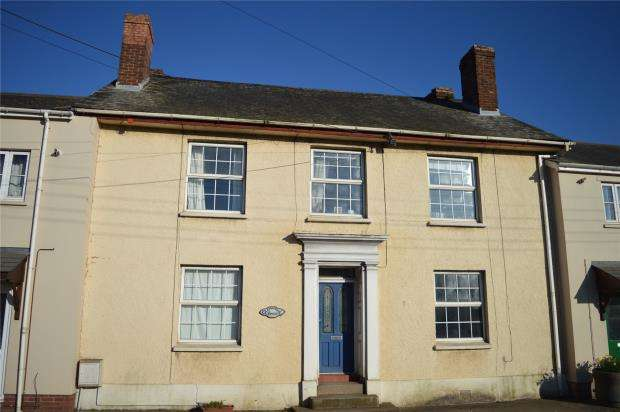 3 Bedrooms Terraced House for sale in Mill Street, Crediton, Devon