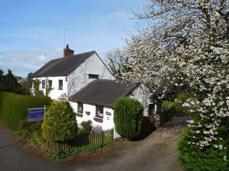 3 Bedrooms Detached House for sale in Stafford Street, Market Drayton