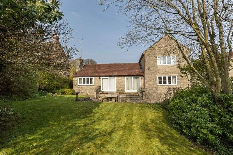 3 Bedrooms Property for sale in Castle Hill, Frome
