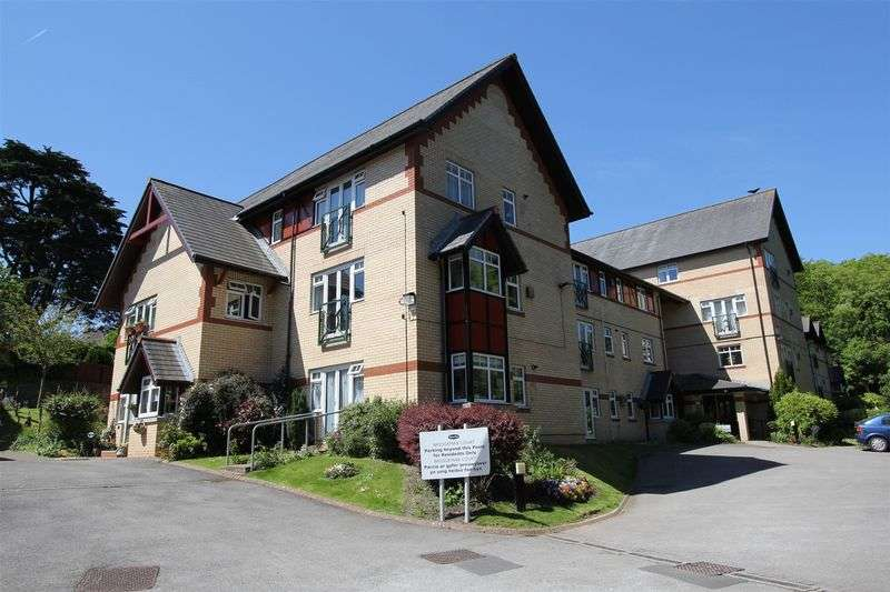2 Bedrooms Flat for sale in Bridgeman Court, Penarth