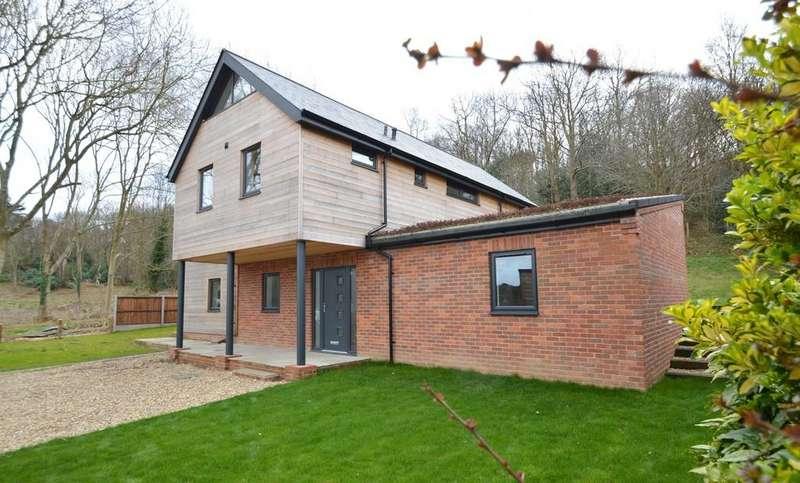 3 Bedrooms Detached House for sale in West Runton, Cromer