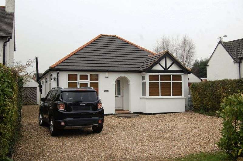 3 Bedrooms Property for sale in Shaw Lane, Wolverhampton