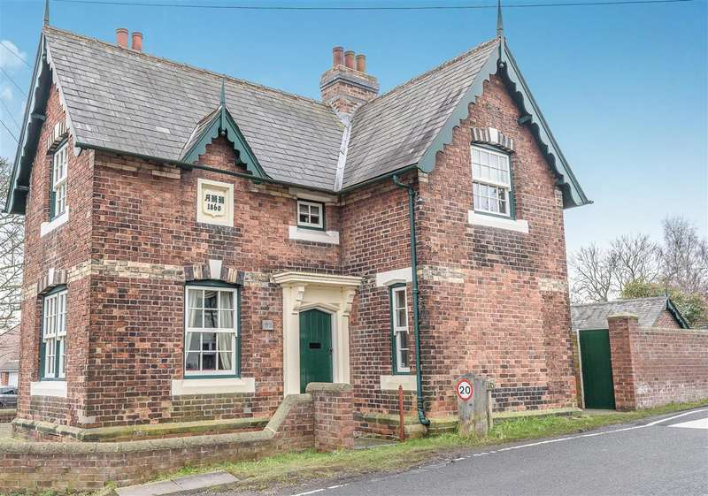 3 Bedrooms Cottage House for sale in Hassock Lane North, Shipley