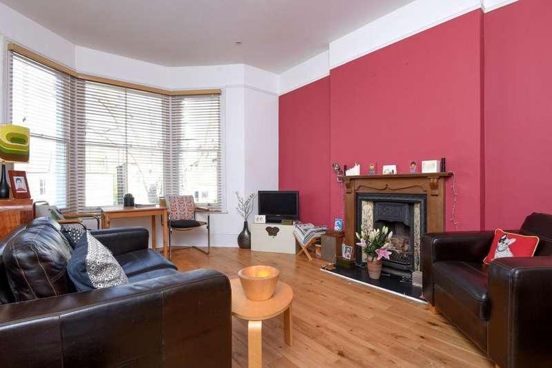 3 Bedrooms Flat for sale in Pepys Road, New Cross, SE14