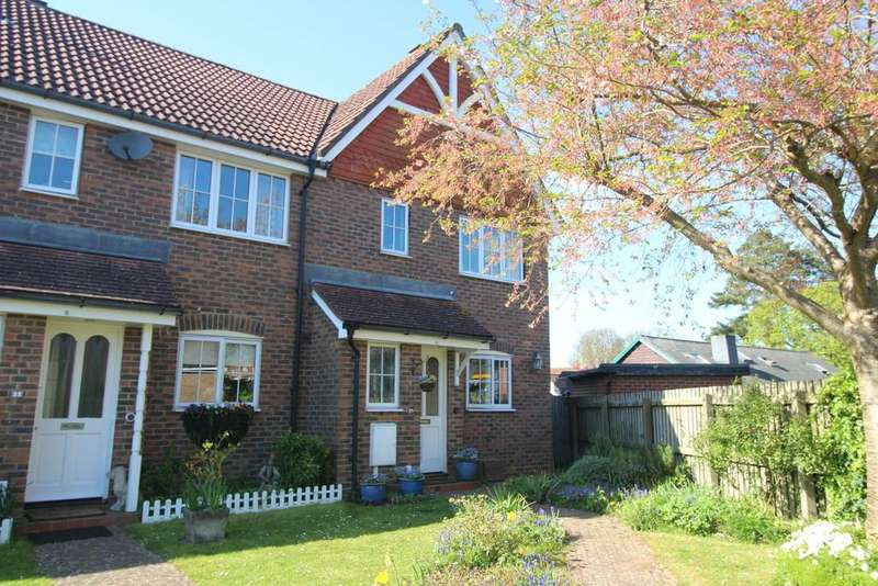 3 Bedrooms End Of Terrace House for sale in The Willows, Storrington