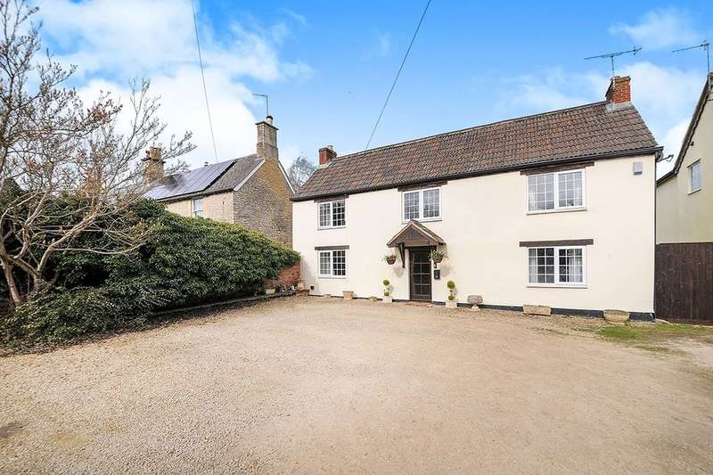 4 Bedrooms Detached House for sale in Quemerford, Calne, SN11