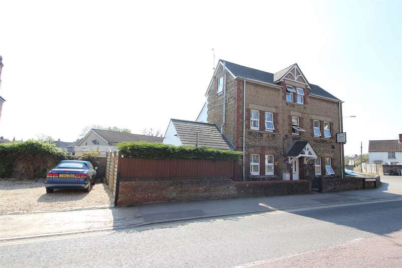 6 Bedrooms Detached House for sale in Marshfield Road, Chippenham