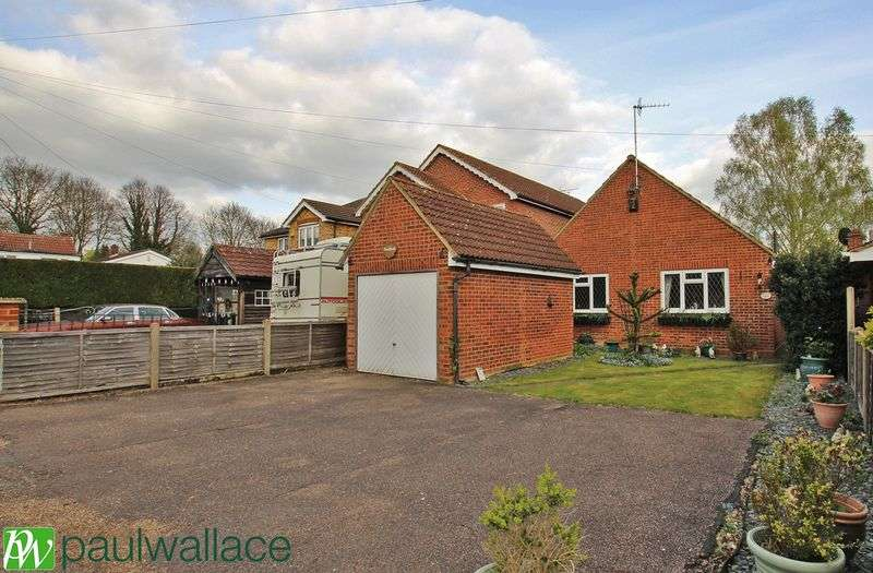 3 Bedrooms Detached Bungalow for sale in Avenue Road, Hoddesdon