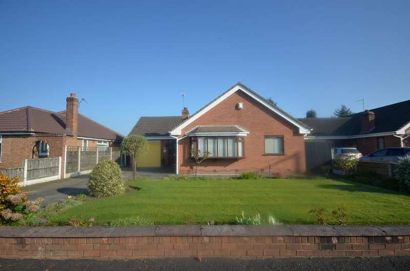 3 Bedrooms Detached Bungalow for sale in Shaftesbury Avenue, Timperley WA15