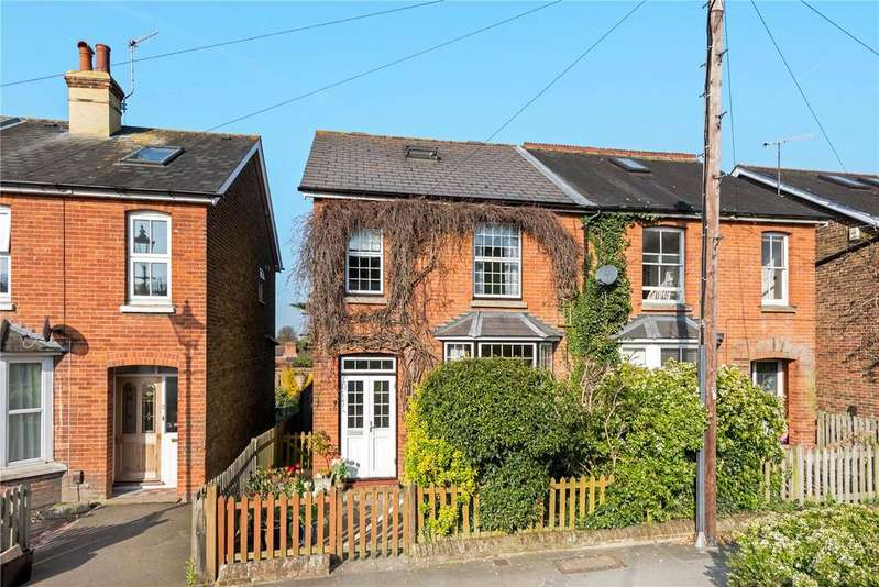 3 Bedrooms Semi Detached House for sale in Nutley Lane, Reigate, Surrey, RH2