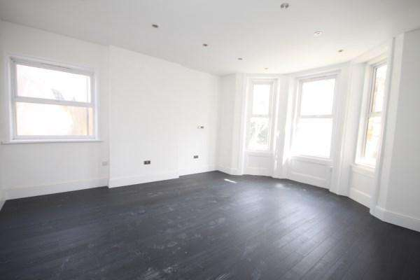 2 Bedrooms Apartment Flat for sale in Tregonwell Road, Bournemouth