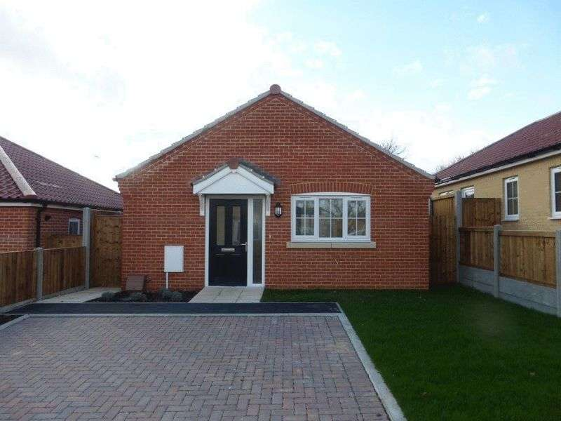 1 Bedroom Detached Bungalow for sale in Hopton-on-Sea