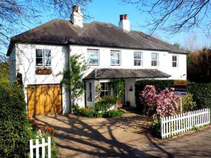 4 Bedrooms Semi Detached House for sale in Eastcroft Villas, Luxted Road, Downe, Orpington