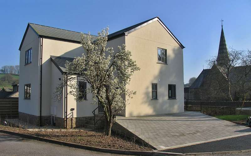3 Bedrooms Detached House for sale in Harbertonford, South Devon, TQ9