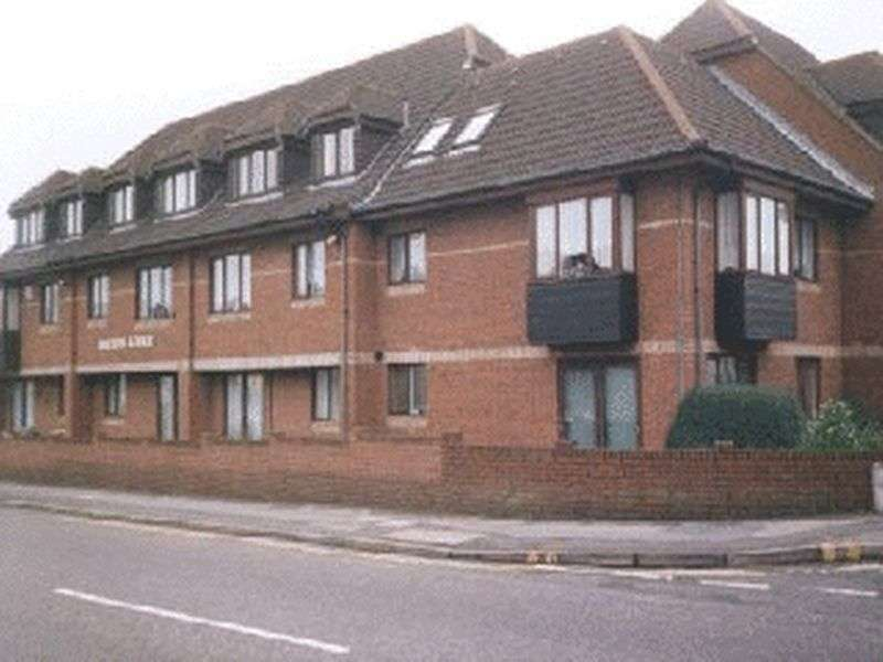 1 Bedroom Retirement Property for sale in Barton Lodge, Poole, BH12 3DB