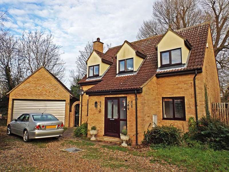 4 Bedrooms Detached House for sale in Hythe Close, Burwell, Cambridgeshire, CB25
