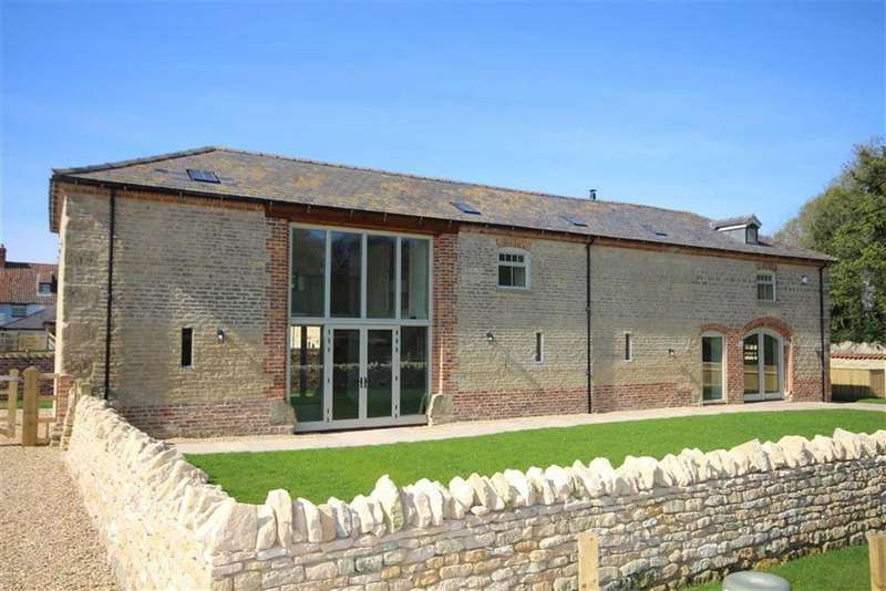 4 Bedrooms Detached House for sale in Sleaford Road, Navenby, Lincoln, Lincolnshire