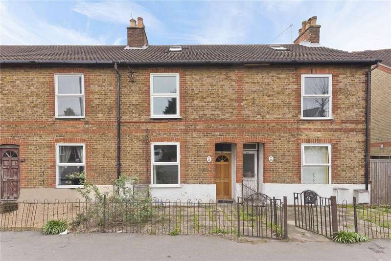 3 Bedrooms Terraced House for sale in Worplesdon Road, Guildford, GU2