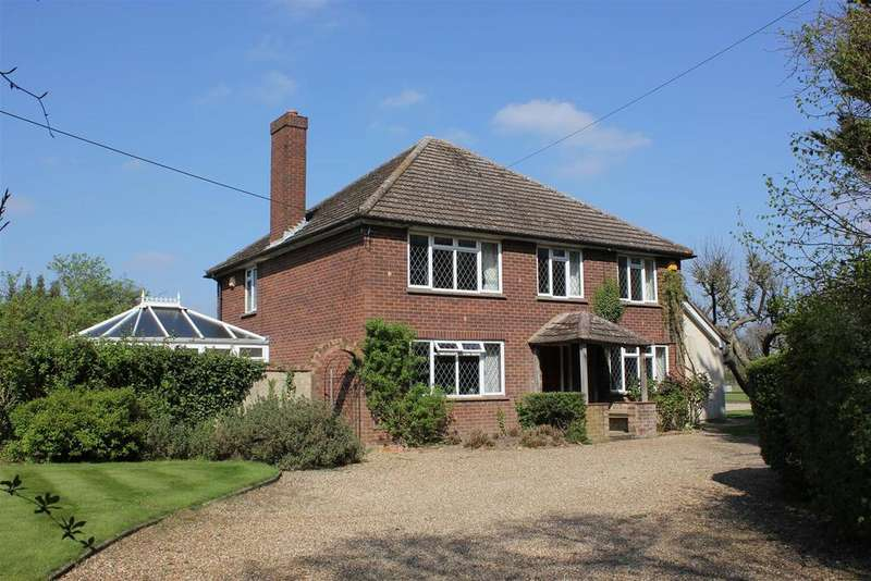 4 Bedrooms Detached House for sale in Danbury, Chelmsford