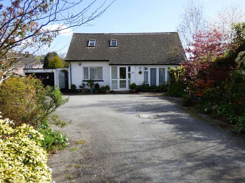 3 Bedrooms Detached House for sale in Avenue Road, Bovey Tracey