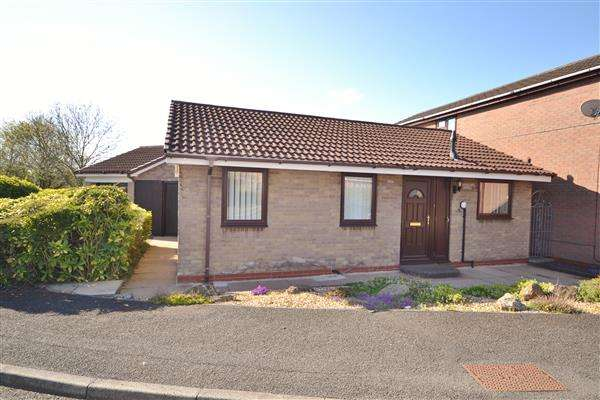 2 Bedrooms Bungalow for sale in Bone Croft, Clayton Le Woods, Chorley