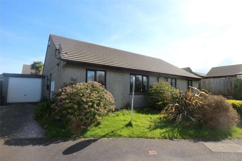 2 Bedrooms Semi Detached Bungalow for sale in Treloweth Way, Pool, Cornwall
