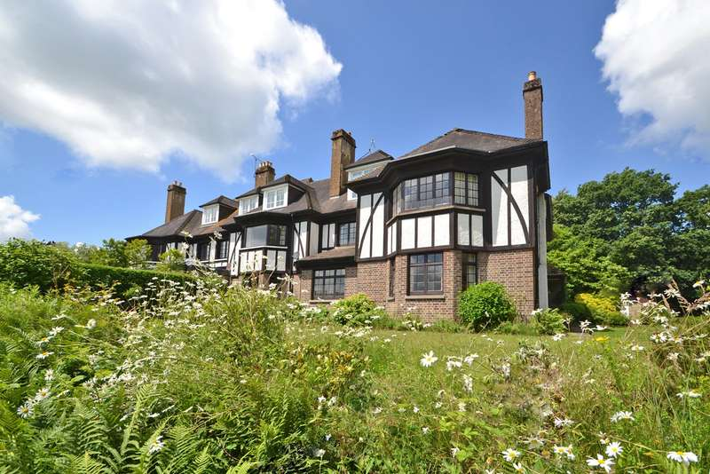 4 Bedrooms House for sale in Pulborough, West Sussex, RH20