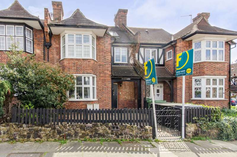 2 Bedrooms Flat for sale in Penistone Road, Streatham Common, SW16
