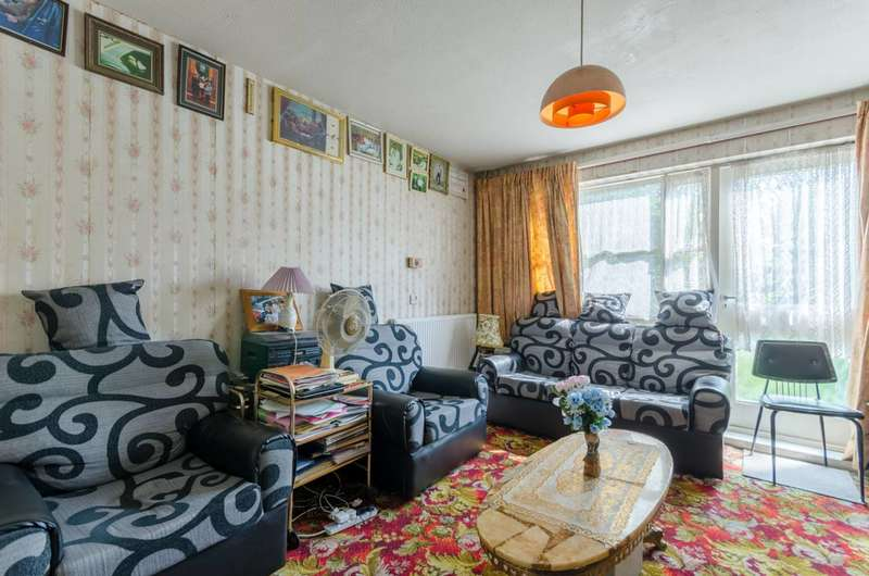 2 Bedrooms Flat for sale in Mabley Street, Hackney, E9