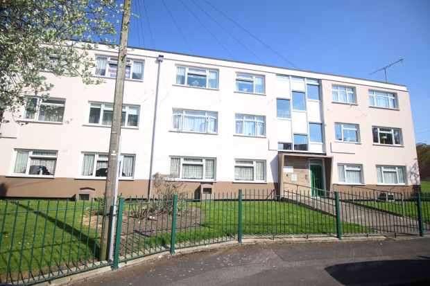 2 Bedrooms Flat for sale in Wolverhampton Street, Wednesbury, West Midlands, WS10 8TX