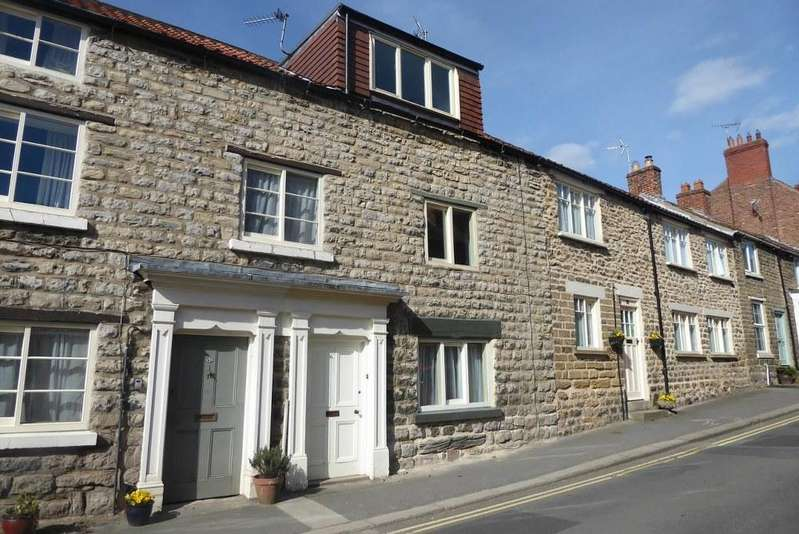 2 Bedrooms Cottage House for sale in 58 West End, Kirkbymoorside, YO62 6AF