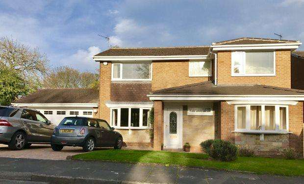 4 Bedrooms Detached House for sale in WOLSINGHAM DRIVE, NEWTON HALL, DURHAM CITY