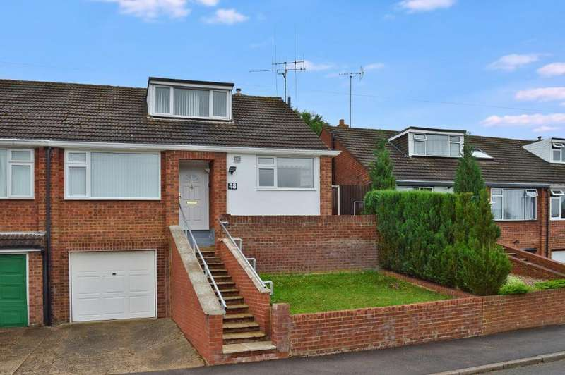 3 Bedrooms Semi Detached House for sale in Saywell Road, Round Green, Luton, LU2 0QF