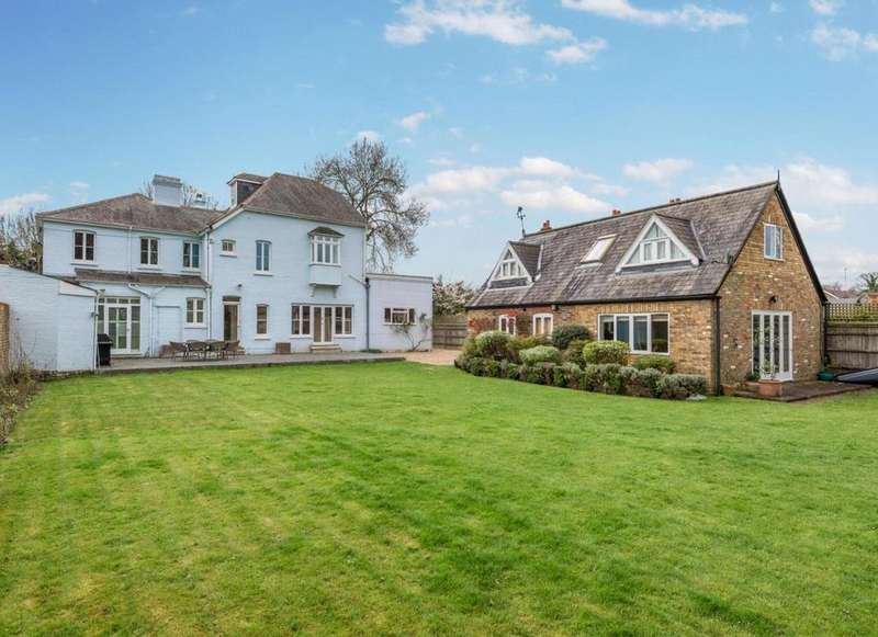 6 Bedrooms Detached House for sale in Hedsor Road, Bourne End, Buckinghamshire, SL8