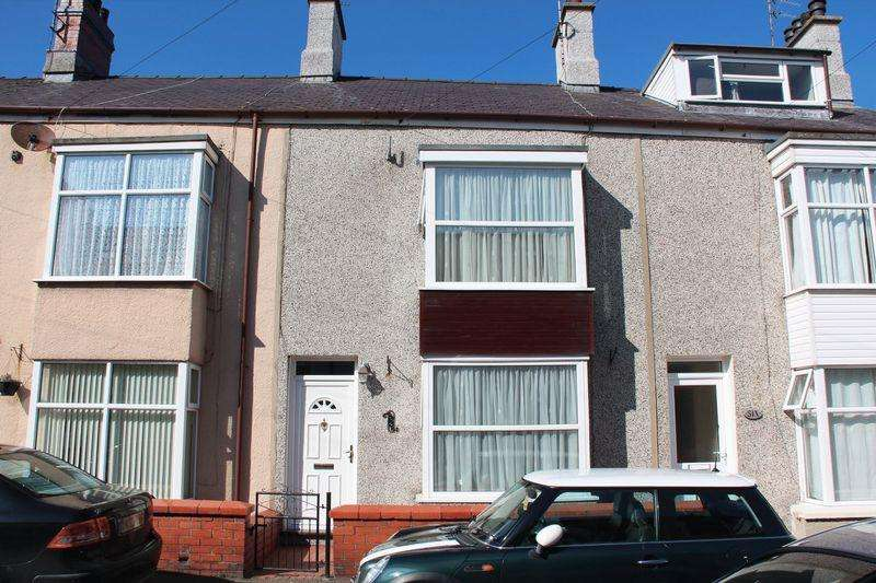 3 Bedrooms Terraced House for sale in Moreton Road, Holyhead