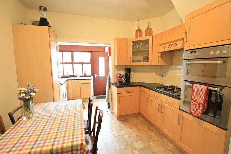 3 Bedrooms Bungalow for sale in Bangor, Gwynedd